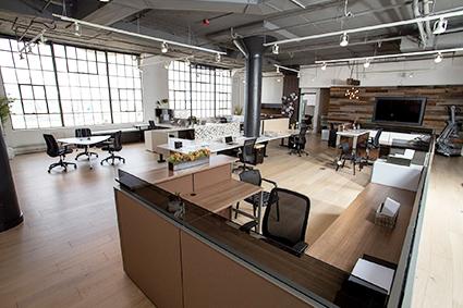 Assemblage panneaux de mobilier de bureau