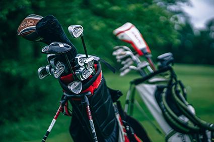 Assemblage matériaux composite sur club de golf