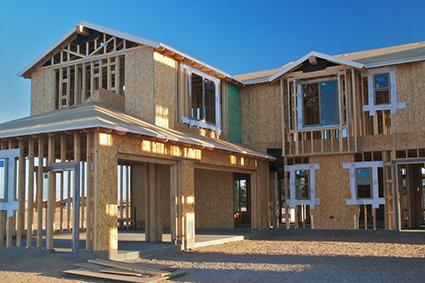 Fixation et étanchéité pendant construction maison
