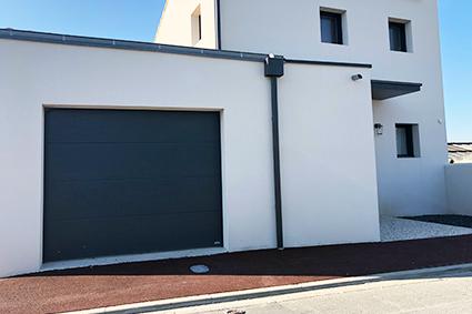 Collage de panneaux composites et vitrages sur portes d'entrées et portes de garage, portails