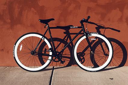 Assemblage de cadres de vélo en composite