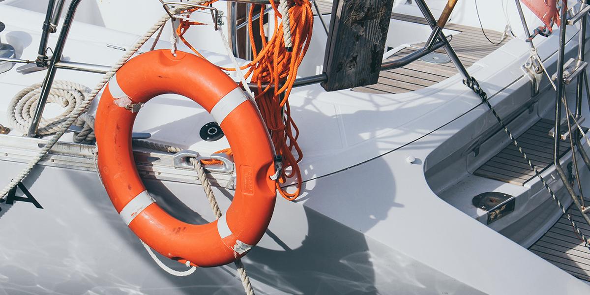 Bouée de sauvetage de voilier